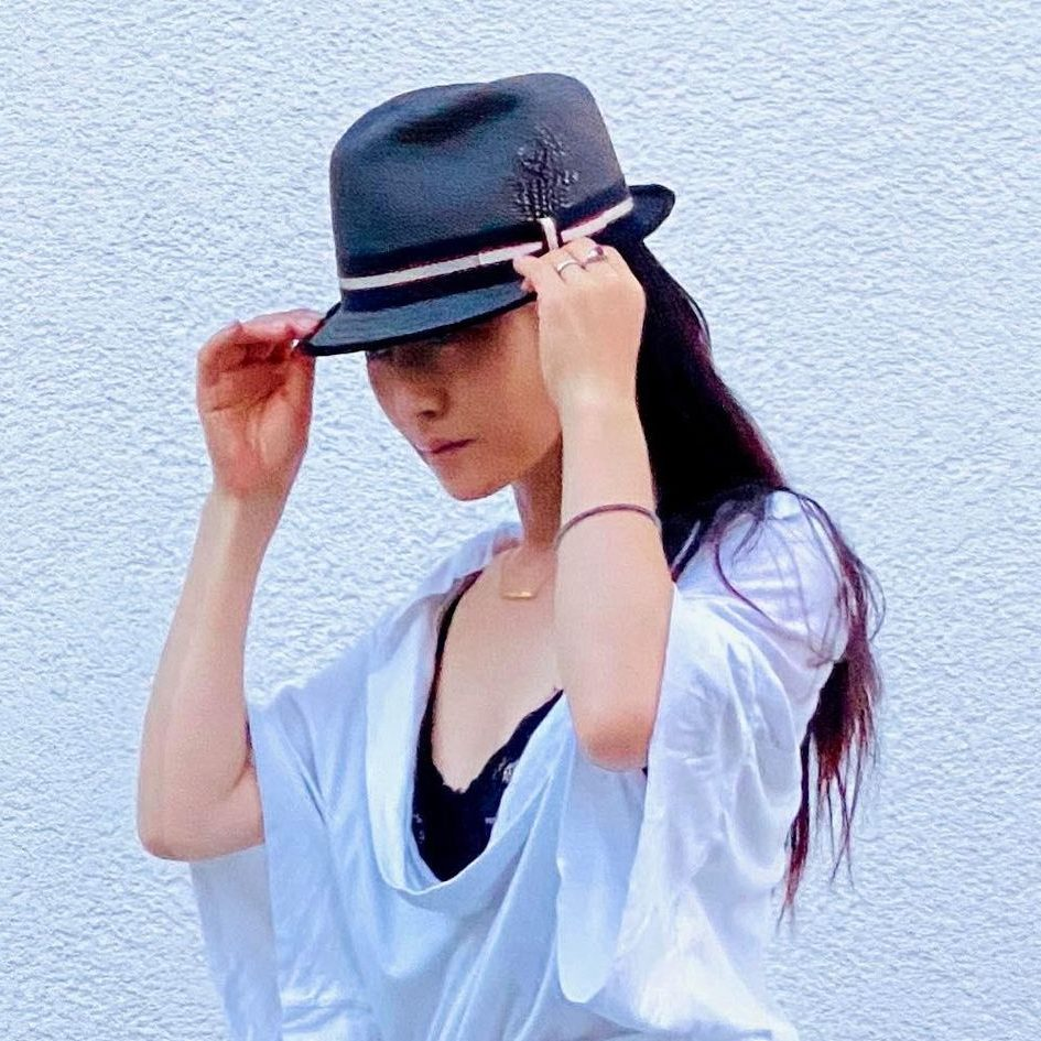 Artist Shot - MAKI AKAGI